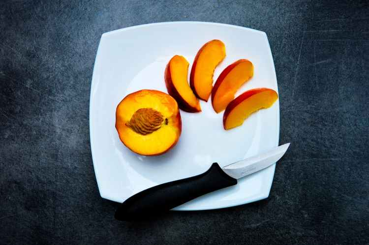 fruit apricot knife kitchen